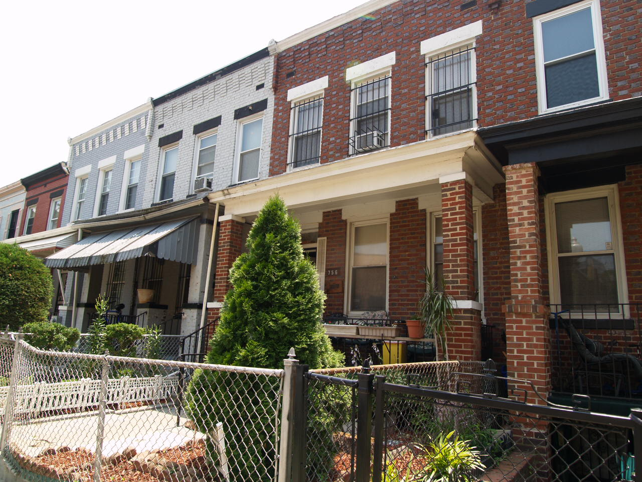 ForSaleByOwner (FSBO) home in Washington, DC at ForSaleByOwnerBuyersGuide.com