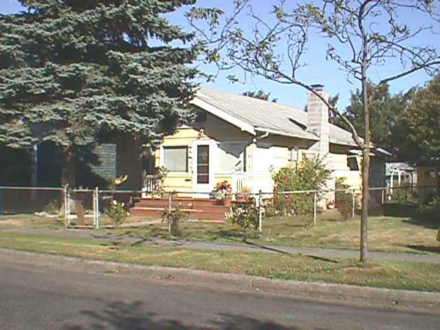 ForSaleByOwner (FSBO) home in Longview, WA at ForSaleByOwnerBuyersGuide.com