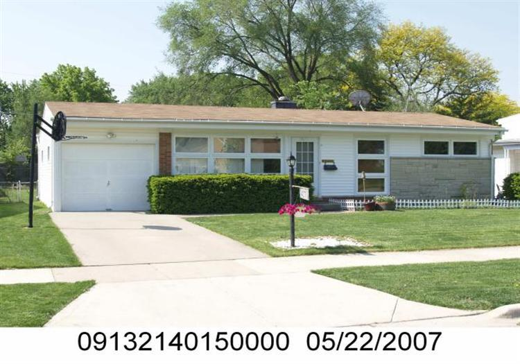 ForSaleByOwner (FSBO) home in Morton Grove, IL at ForSaleByOwnerBuyersGuide.com
