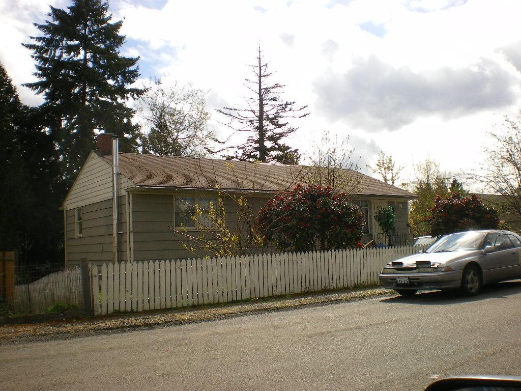 ForSaleByOwner (FSBO) home in Renton, WA at ForSaleByOwnerBuyersGuide.com