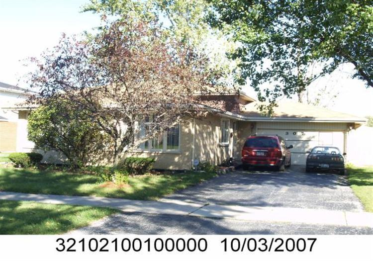 ForSaleByOwner (FSBO) home in Glenwood, IL at ForSaleByOwnerBuyersGuide.com