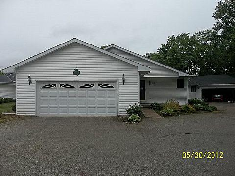 ForSaleByOwner (FSBO) home in Janesville, WI at ForSaleByOwnerBuyersGuide.com