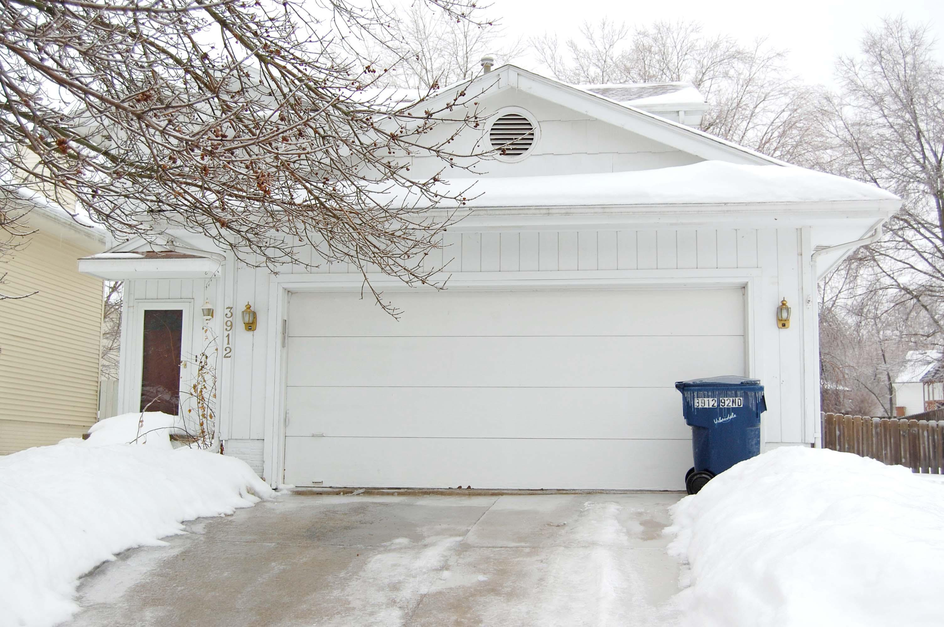 ForSaleByOwner (FSBO) home in Urbandale, IA at ForSaleByOwnerBuyersGuide.com