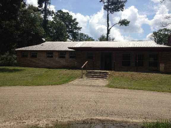 ForSaleByOwner (FSBO) home in Livingston, LA at ForSaleByOwnerBuyersGuide.com