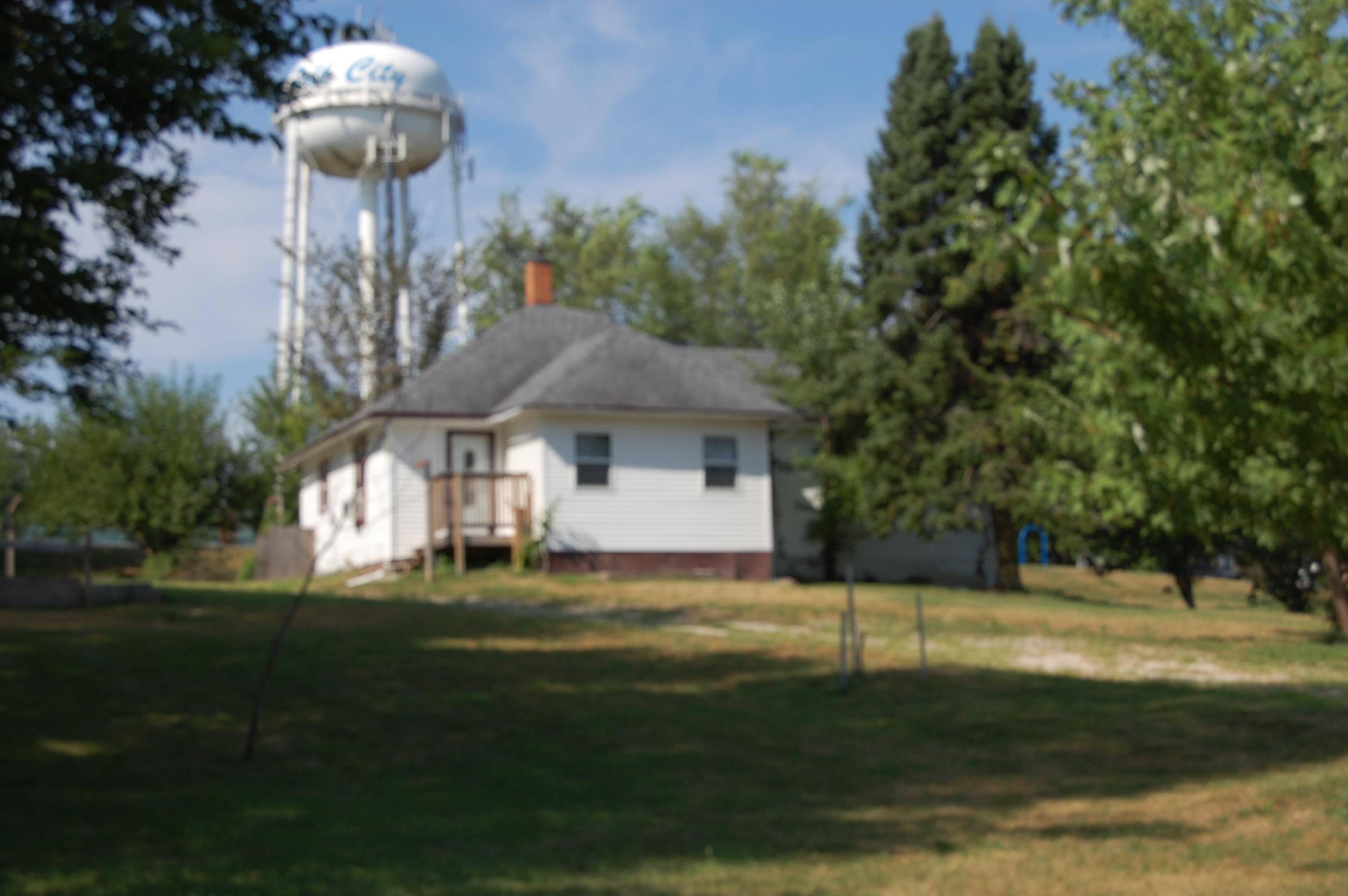 ForSaleByOwner (FSBO) home in Polk City, IA at ForSaleByOwnerBuyersGuide.com