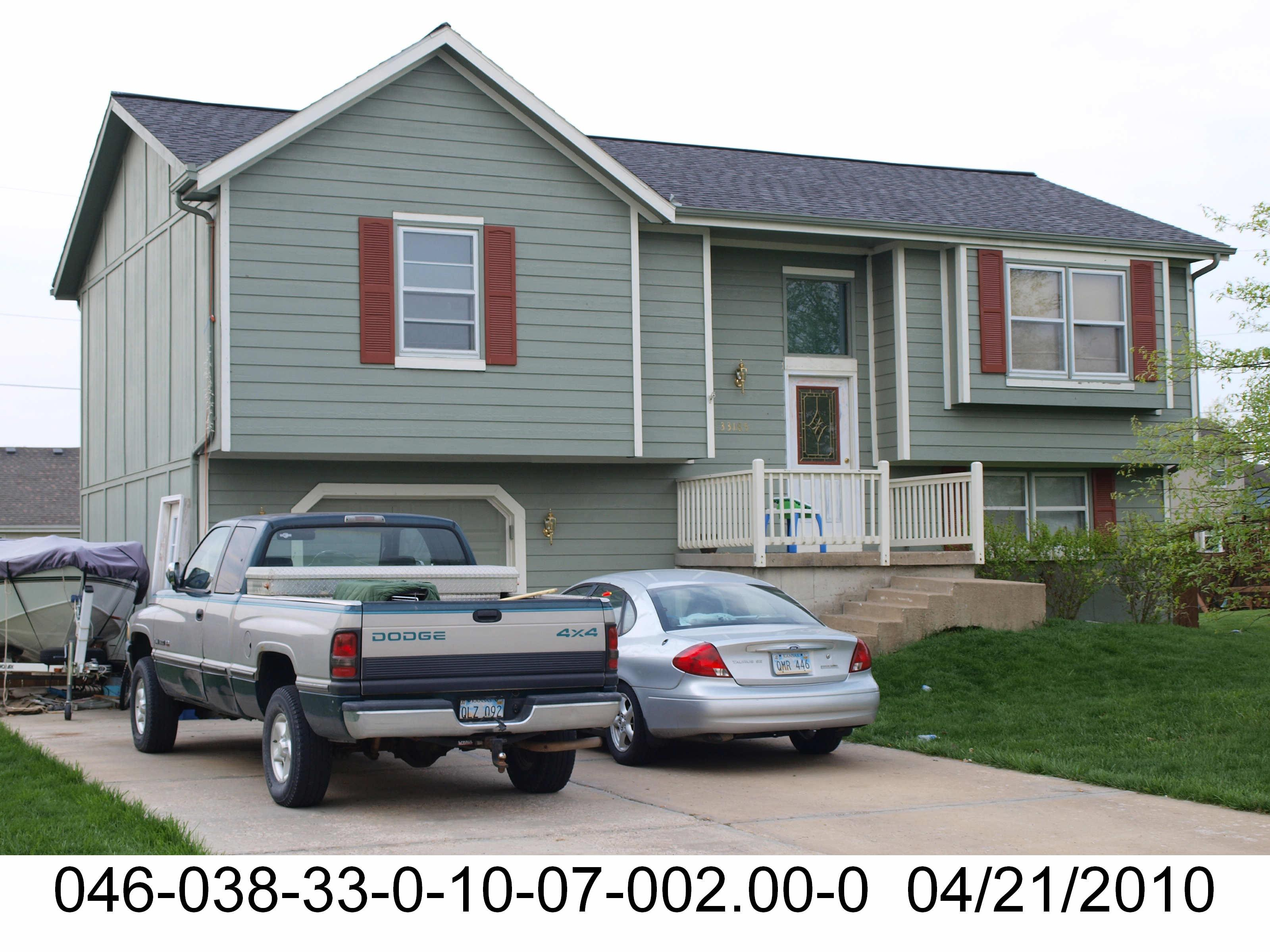 ForSaleByOwner (FSBO) home in De Soto, KS at ForSaleByOwnerBuyersGuide.com