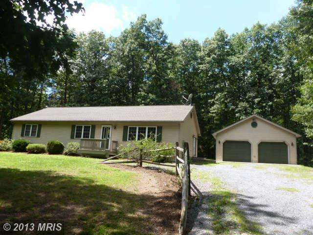 ForSaleByOwner (FSBO) home in Hedgesville, WV at ForSaleByOwnerBuyersGuide.com