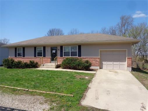 Buckner missouri mo for sale by owner missouri fsbo for Buckner home