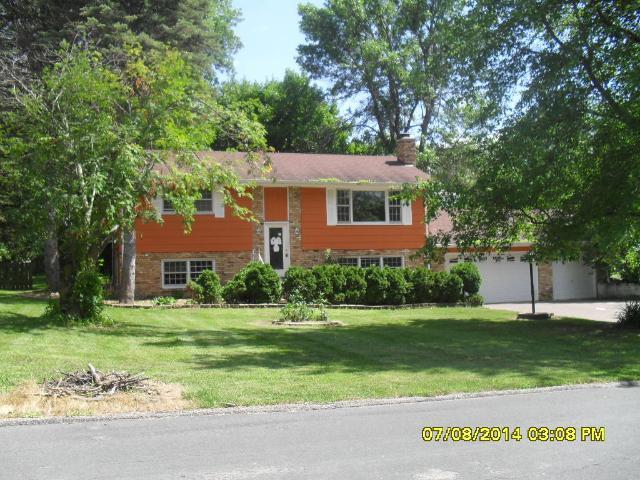 ForSaleByOwner (FSBO) home in Eden Prairie, MN at ForSaleByOwnerBuyersGuide.com