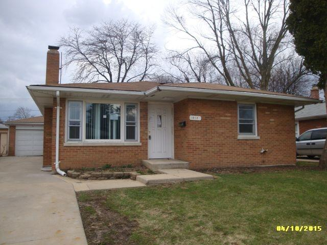ForSaleByOwner (FSBO) home in Waukegan, IL at ForSaleByOwnerBuyersGuide.com