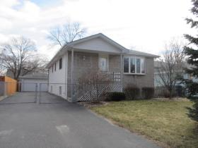 ForSaleByOwner (FSBO) home in Steger, IL at ForSaleByOwnerBuyersGuide.com