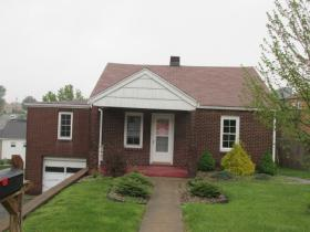 ForSaleByOwner (FSBO) home in Weirton, WV at ForSaleByOwnerBuyersGuide.com