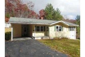 ForSaleByOwner (FSBO) home in Bluefield, WV at ForSaleByOwnerBuyersGuide.com