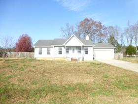 ForSaleByOwner (FSBO) home in Toney, AL at ForSaleByOwnerBuyersGuide.com