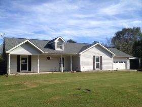 ForSaleByOwner (FSBO) home in Smiths Station, AL at ForSaleByOwnerBuyersGuide.com