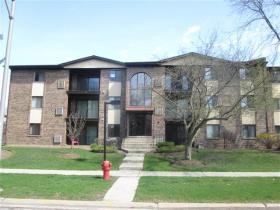 ForSaleByOwner (FSBO) home in Alsip, IL at ForSaleByOwnerBuyersGuide.com